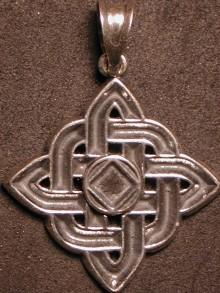 2091 NA Celtic Knot Service Symbol Square