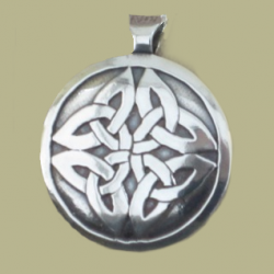 2030 Celtic Round Pendant